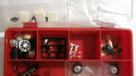 Ninco, Fly, SCX, Parma etc. onderdelen in doos