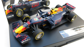 """Carrera Evolution, F-1 Red Bull RB13 """"M. Verstappen"""" #33"""