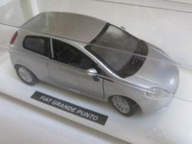 NewRay, Fiat Grande Punto (zilver/grijs)