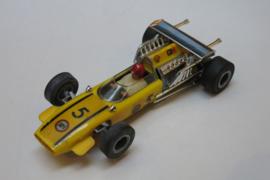 Cooper Maserati geel nr. 5 (gestempeld)
