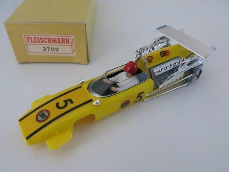 Cooper Maserati kap geel 3702 (ovp)