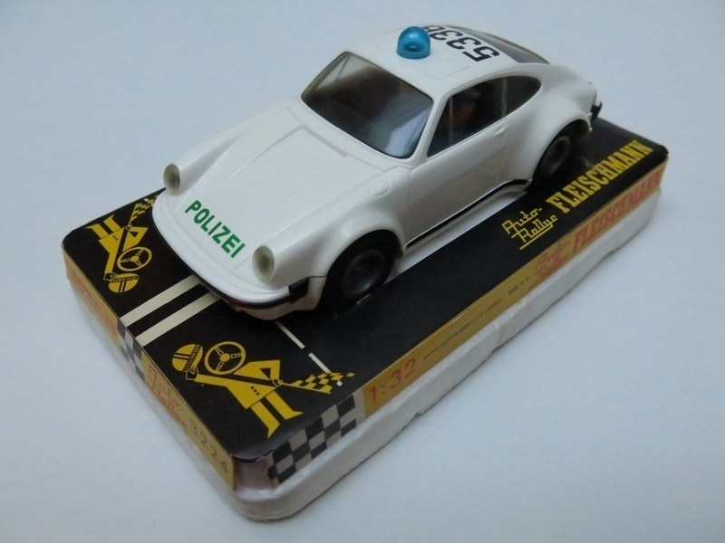 3224 Porsche 911 Polizei