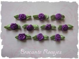 (Rb-042) 10 satijnen roosjes met blaadje - paars - 2cm