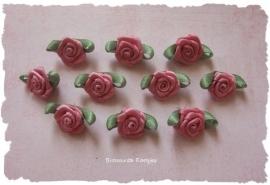 (Rb-008) 10 satijnen roosjes met blaadje - oudroze - 17mm