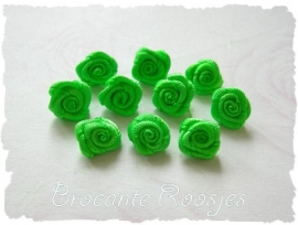 (R-030) 10 satijnen roosjes - appeltjesgroen - 10mm