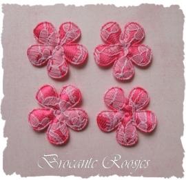 (BL-ka-006) 4 bloemen met kant - fuchsia - 35mm
