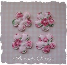 (BLd-006) 4 bloemetjes met roosjes - roze - 25mm
