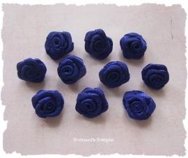 (RM-009.2) 10 satijnen roosjes - korenblauw - 15mm