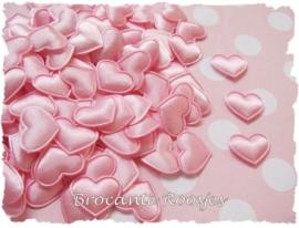 (H-005) 4 hartjes - satijn - licht roze - 17mm
