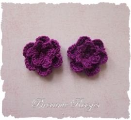 (BLh-046) 2 gehaakte bloemetjes - paars - 25mm