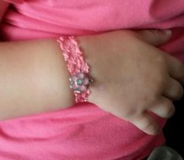 Armbandjes van elastisch kant