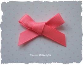 (Sz-010) Strikje - zelfklevend - neon roze - 25mm
