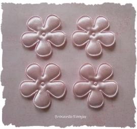 (BLE-012) 4 satijnen bloemen - poeder roze - 25mm