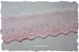 (K-041) Broderiekant - licht roze -  5cm breed