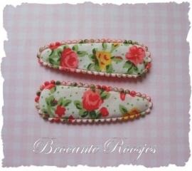(HOd-025) 2 hoesjes - roosjes & bloemetjes - rood - 55mm