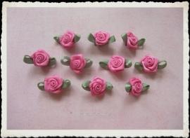 (Rb-005) 10 satijnen roosjes met blaadjes - romantisch roze - 17mm*