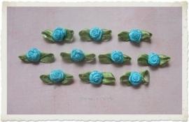 (Rb-038) 10 satijnen roosjes met blaadje - aqua - 2cm
