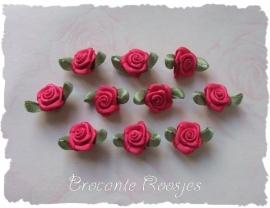 (Rb-007) 10 satijnen roosjes met blaadje - azalea - 17mm