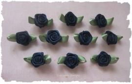 (RMb-027) 10 satijnen roosjes met blaadje - donker blauw - 27mm