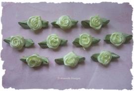 (RMb-013) 10 satijnen roosjes met blaadje - licht geel - 3cm