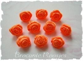 (R-011) 10 satijnen roosjes - oranje - 10mm