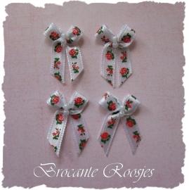 (Sd-017) 4 satijnen strikjes met pareltjes & roosjes - wit/rood