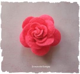 (Rv-021a) Vilten roosje - fel fuchsia - 45mm