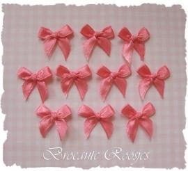 (S-009) 10 satijnen strikjes - perzik roze