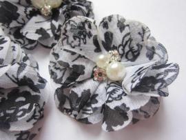 (BLzc-033) Chique bloem - pareltjes & strass - gebloemd - zwart/wit - 5cm