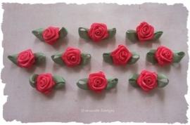 (RMb-023b) 10 satijnen roosjes met blaadje - fuchsia - 27mm