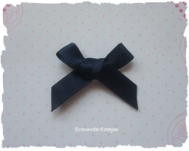 (Sz-019) Strikje - zelfklevend - donker blauw - 25mm