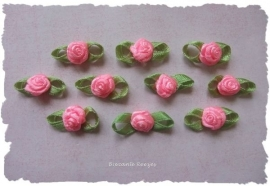 (Rb-033) 10 satijnen roosjes met blaadje - roze - 2cm