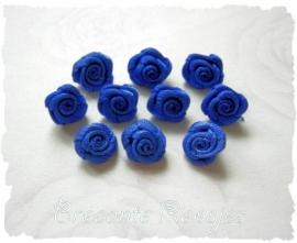 (R-015) 10 satijnen roosjes - korenblauw - 10mm