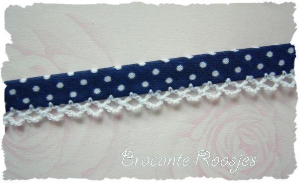 (BI-024) Biaisband met kantje - stipje - donkerblauw