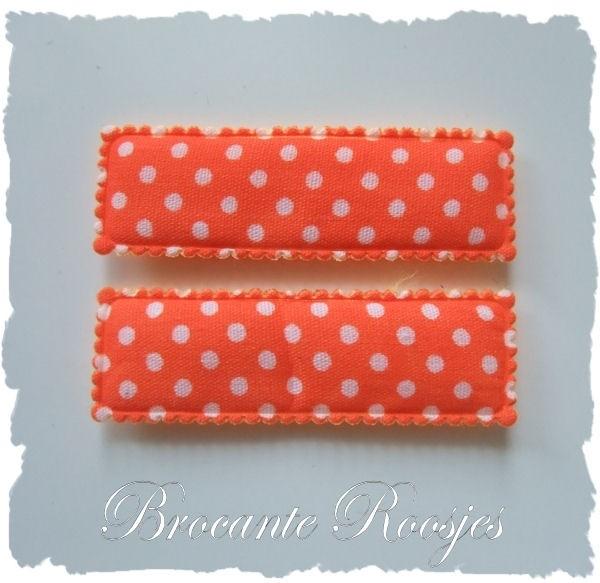 (HO-RE-S-006) 2 hoesjes - recht - stipje - oranje