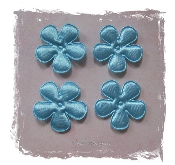 (BLE-039) 4 satijnen bloemen - licht blauw- 35mm