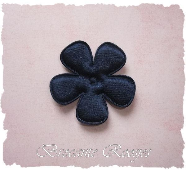 (BLE-067) Bloem - satijn - donkerblauw - 47mm