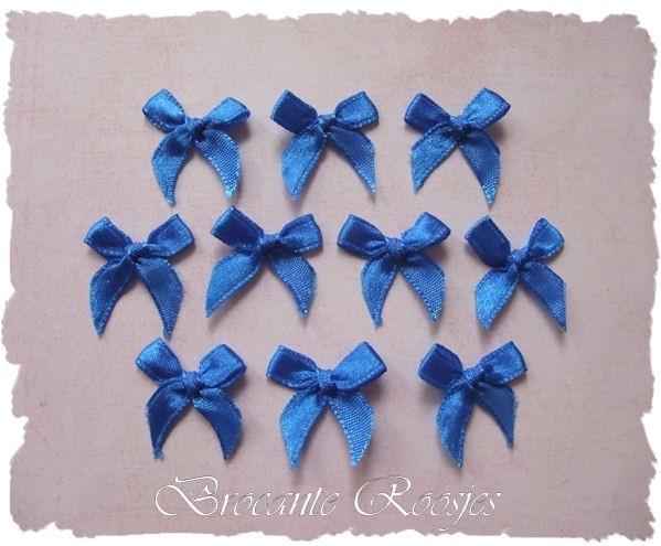 (S-020) 10 satijnen strikjes - koren blauw - 22mm