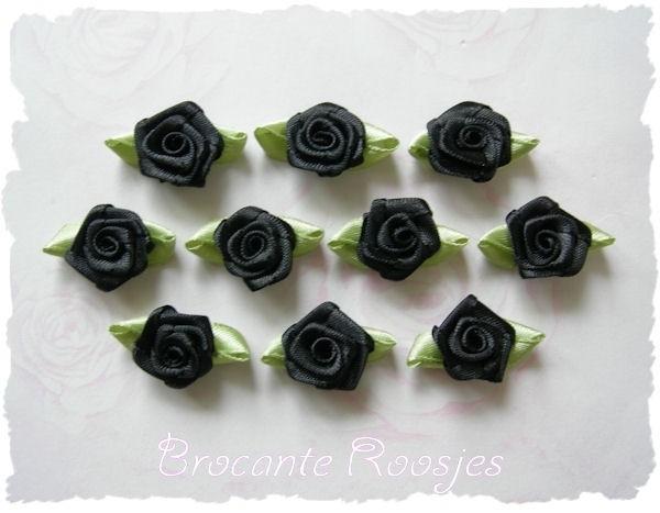 (RMb-018) 10 satijnen roosjes met blaadje - zwart - 3cm