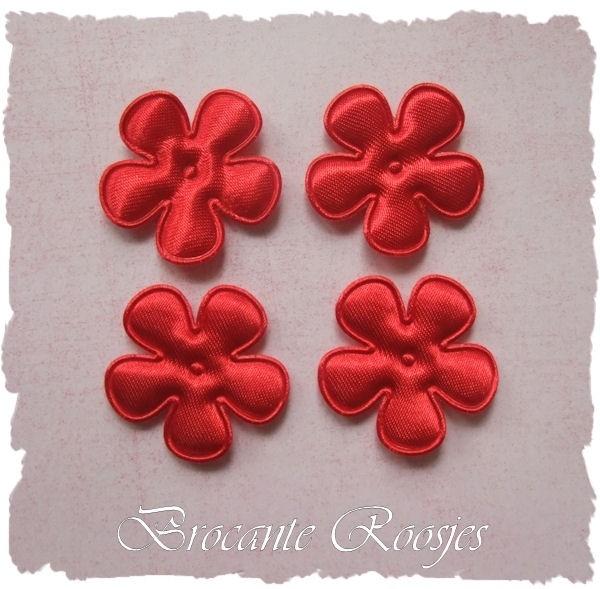 (BLE-016) 4 satijnen bloemetjes - rood - 25mm