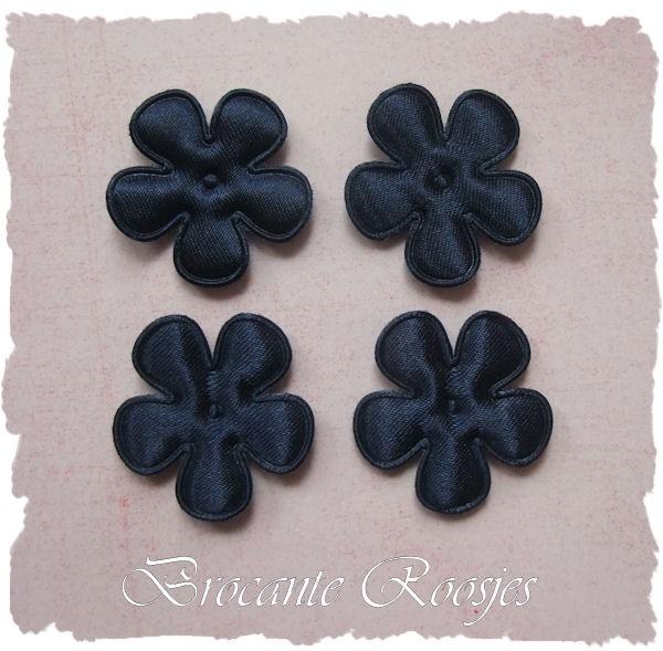 (BLE-020) 4 satijnen bloemetjes - donkerblauw - 25mm