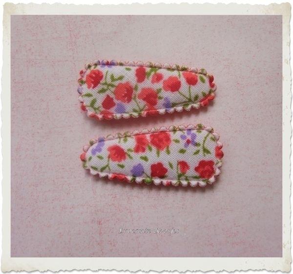 (HOBd-021) 2 hoesjes - baby - bloemetjes - rood/paars