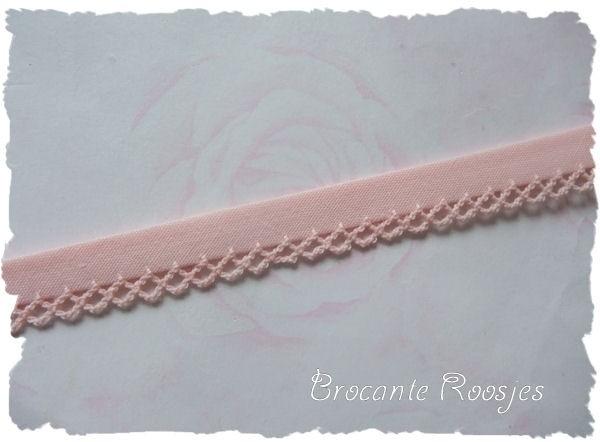 (BI-002 Biaisband met kantje - zacht roze