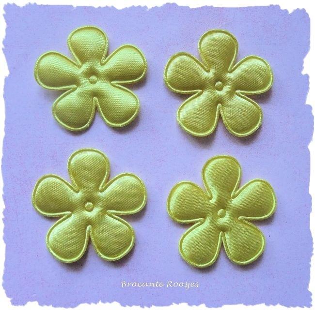 (BLE-046) 4 satijnen bloemen - satijn - geel - 35mm