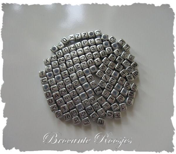 (LET-001zk) Letterkraal - kubus - zilver