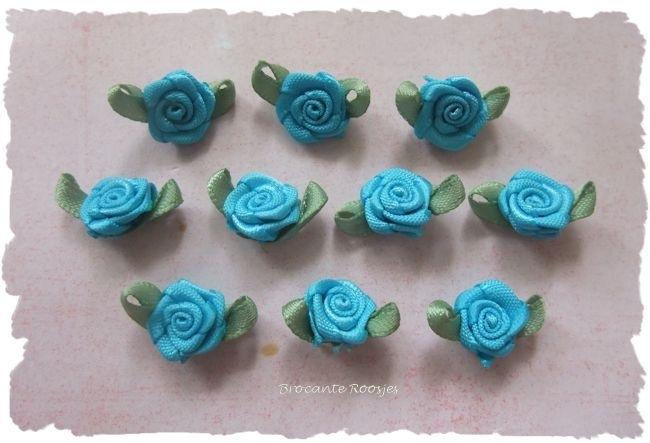 (Rb-011a) 10 satijnen roosjes met blaadje - aqua - 17mm