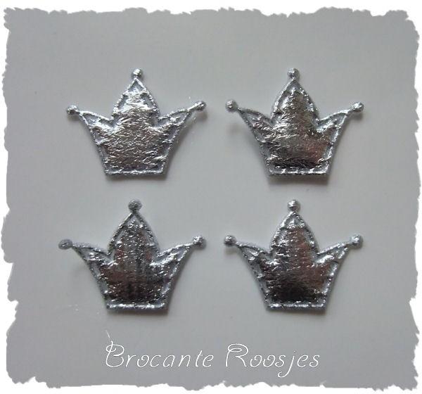 (KR-001) 4 zilveren kroontjes  - satijn