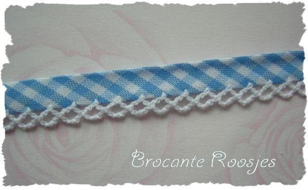 (BI-014) Biaisband met kantje - ruitje - lichtblauw
