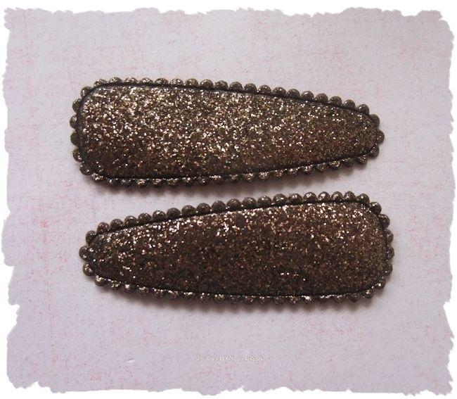 (HOe-049) 2 hoesjes - glitter - donker bruin* - 50mm