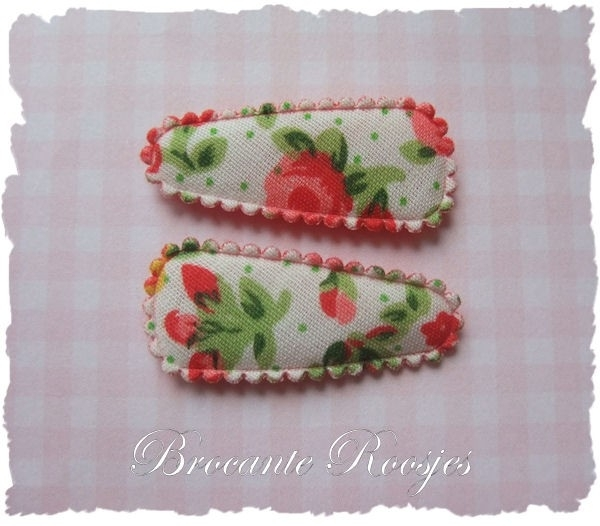 (HOBd-016) 2 hoesjes - baby - roosjes & bloemetjes - rood